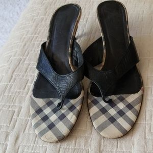 Lady's Burberry Shies